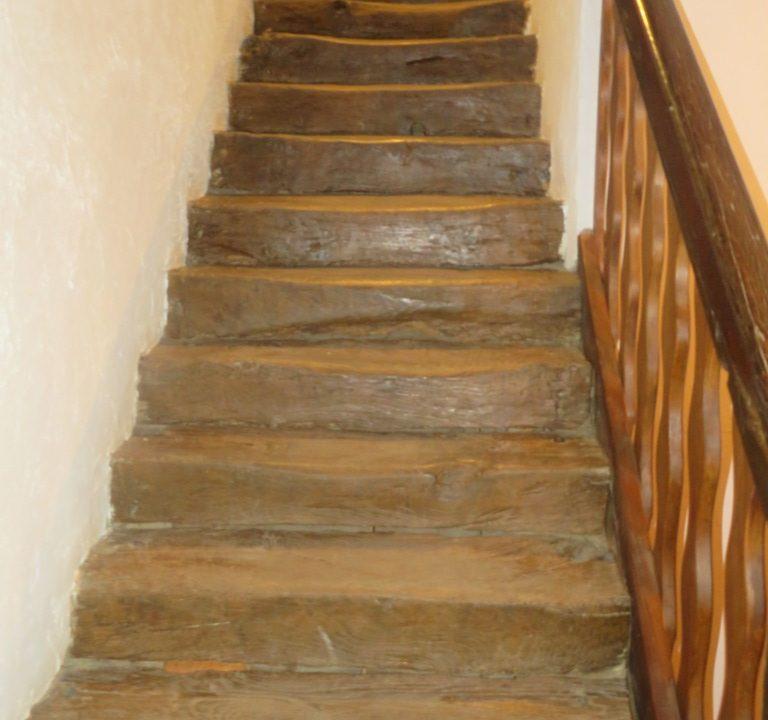 br 014 canton de rieumes escalier epoque