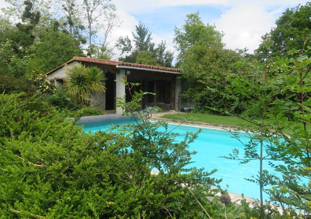 br 014 maison de caractere piscine pool house