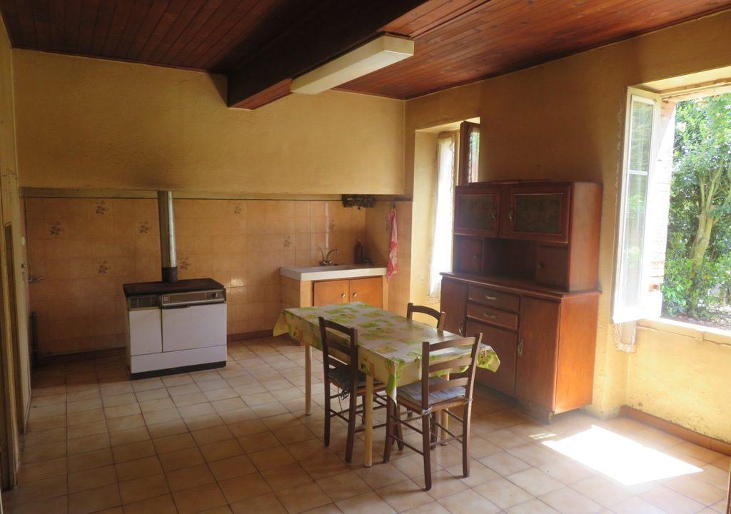 br008 canton de rieumes maison de caractere cuisine