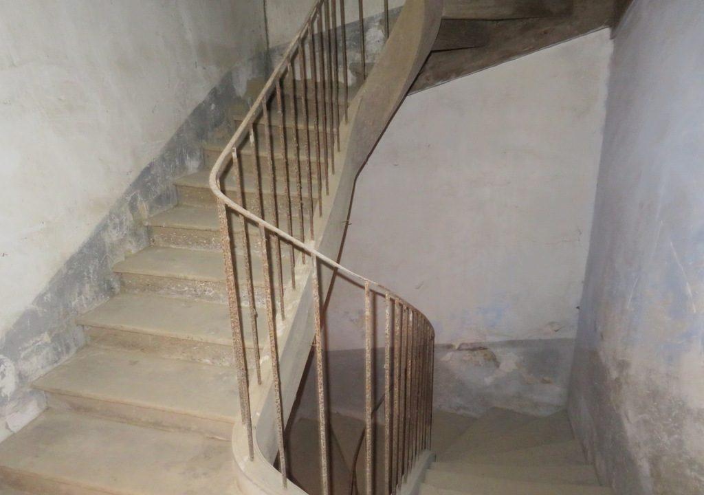 br008 canton de rieumes maison de caractere escalier