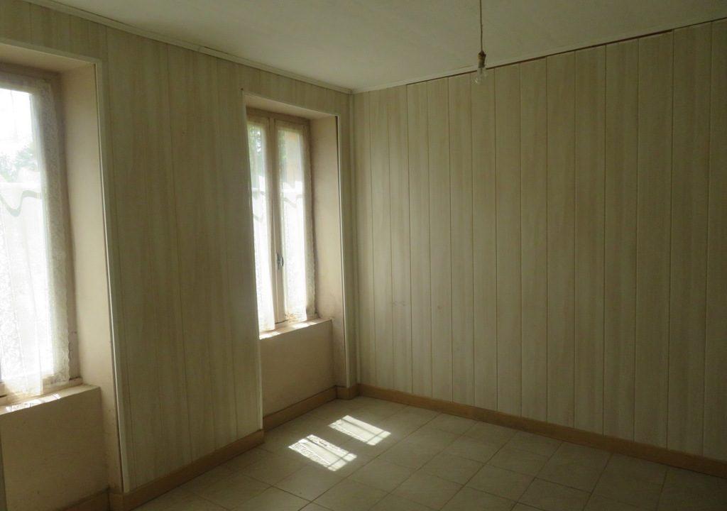 br008 canton de rieumes maison de caractere facade chambre