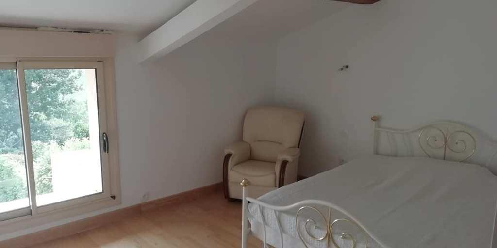 is 014 maison de village rieumes samatan chambre2
