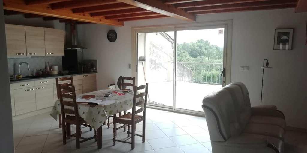 is 014 maison de village rieumes samatan cuisine baie vitree
