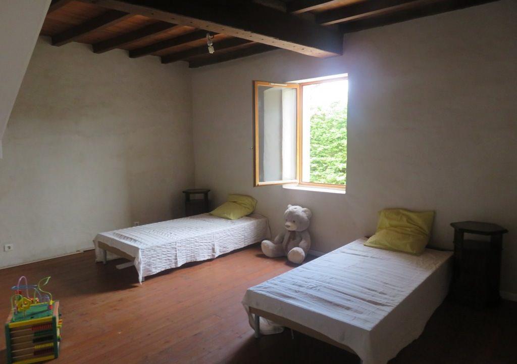 is 018 maison de village canton de rieumes chambre1