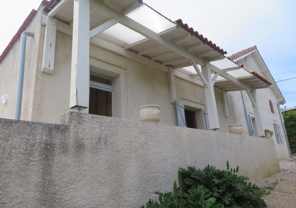 is 018 maison de village canton de rieumes facade principale