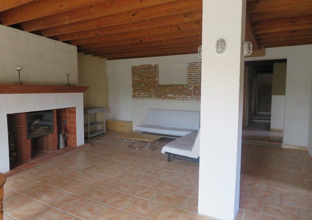 is 018 maison de village canton de rieumes salon cheminee