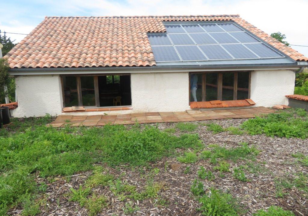 is 018 maison de village canton de rieumes toit photovoltaique