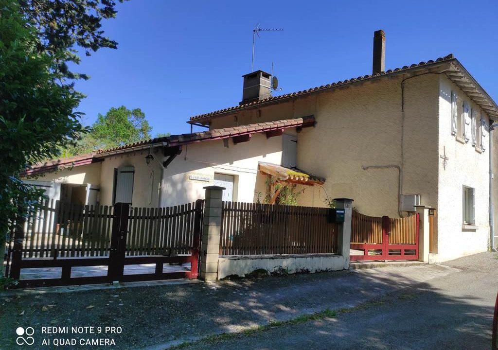 is 016 maison de village gers facade cote rue 2