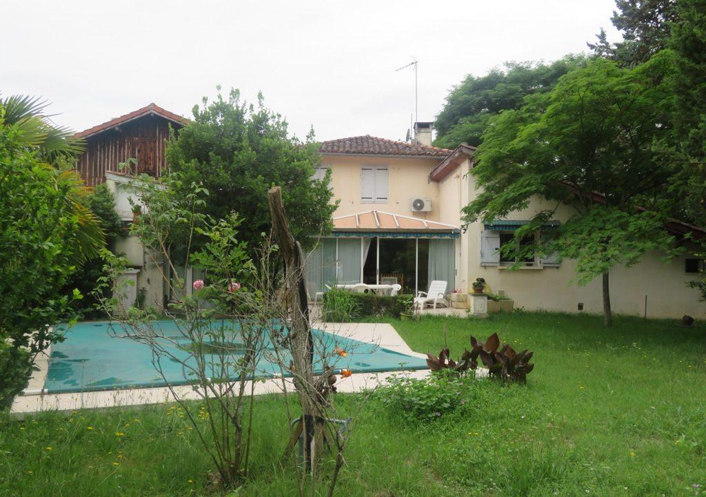 is 016 maison de village gers facade principale2 2
