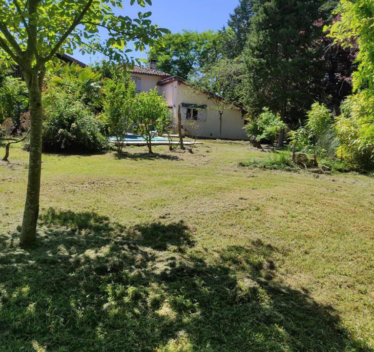 is 016 maison de village gers jardin 4