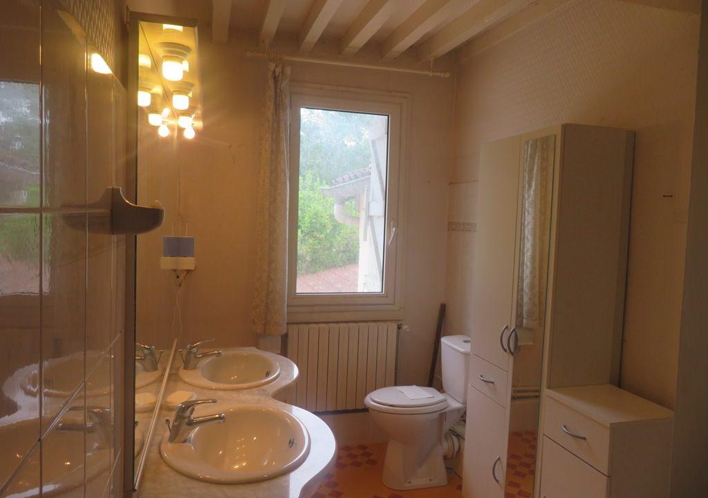 is 016 maison de village gers salle deau 2