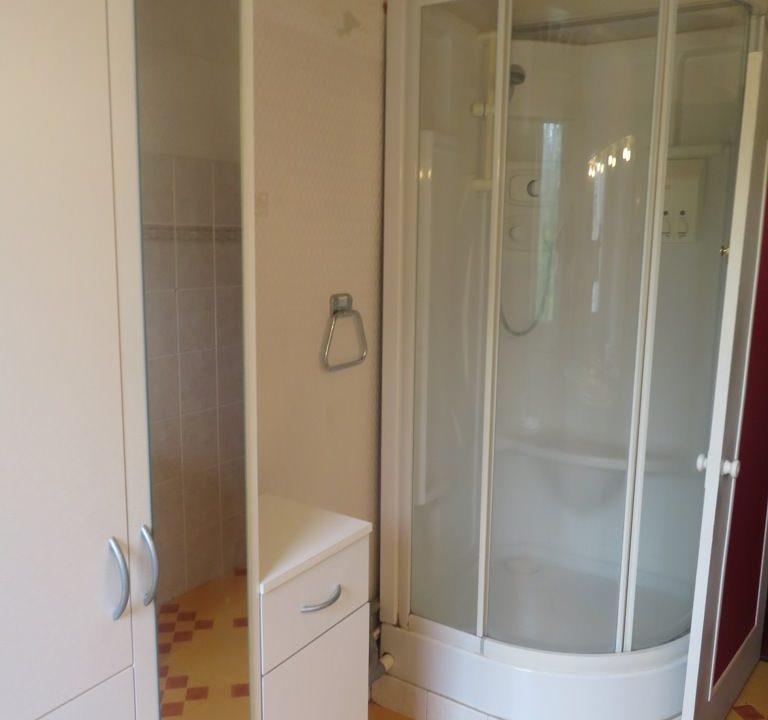 is 016 maison de village gers salle deau douche 2