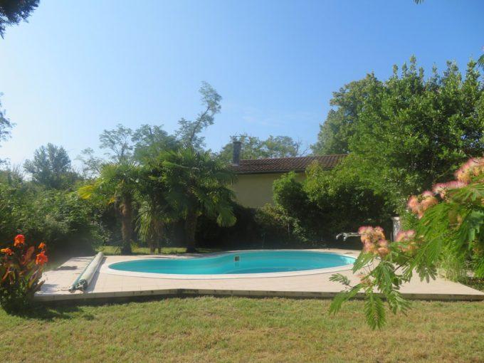 is 016 maison de village piscine cana albisia
