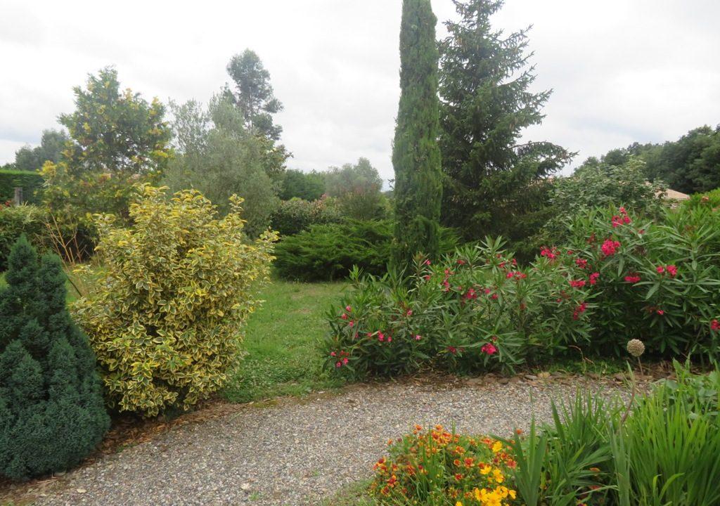 is 017 villa canton rieumes jardin 2