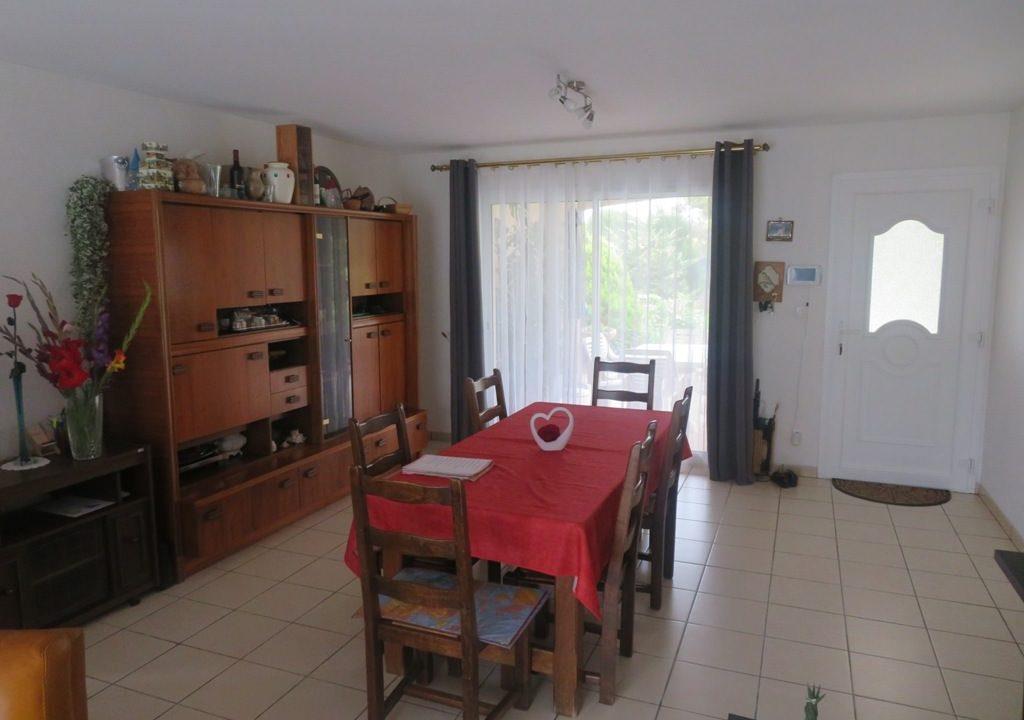 is 017 villa canton rieumes salle a manger