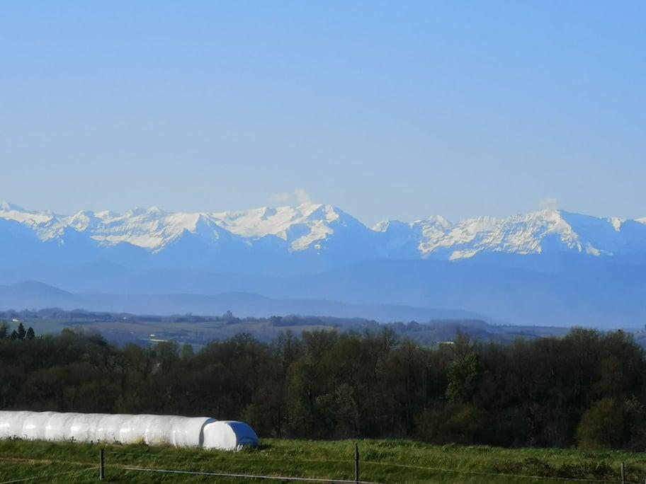 is 020 villa campagne vue sur les pyrenees