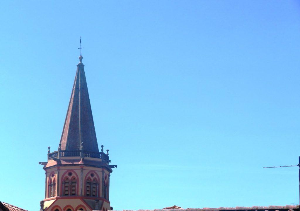 is 018 maison de village rieumes centre vue clocher